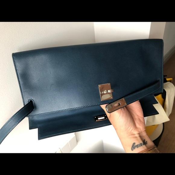 Hermes Handbags - Hermès Kelly Cut Bag